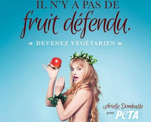 Arielle-Dombasle-pose-pour-PETA_reference