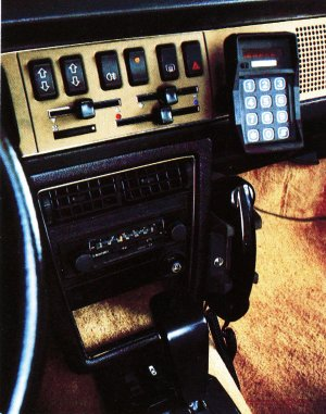 1983TelephoneDeVoitureThomsonCSF