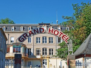 grand-hotel-facade-bourbon-lancy-486221