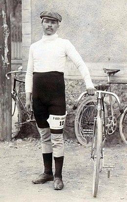 260px-Maurice_Garin_au_Paris-Roubaix_1897